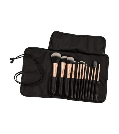 Set of 12 make-up brushes